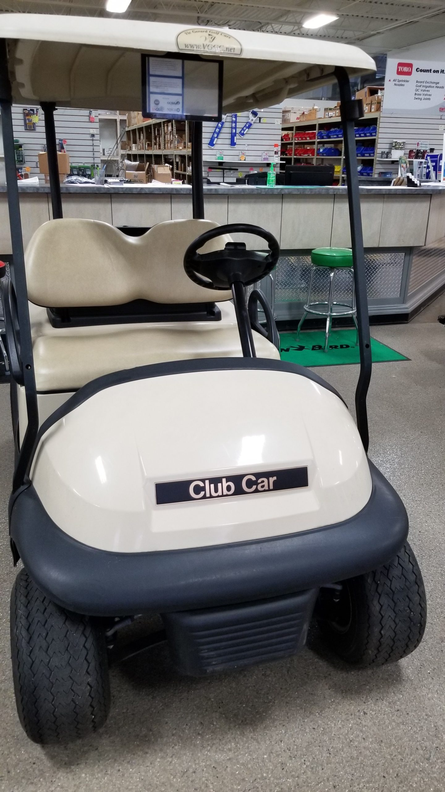 Featured Image for 2014 Club Car Precedent 2 Passenger Gas