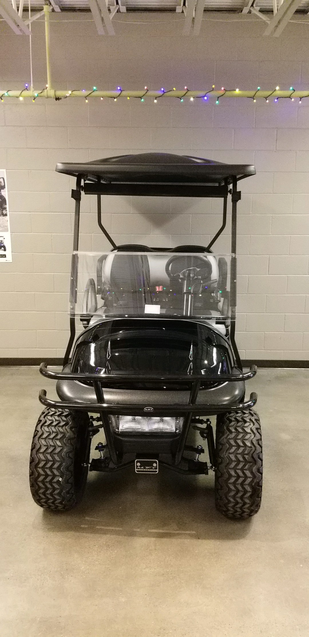 Featured Image for 2012 Club Car Precedent Lifted 4 Passenger Electric