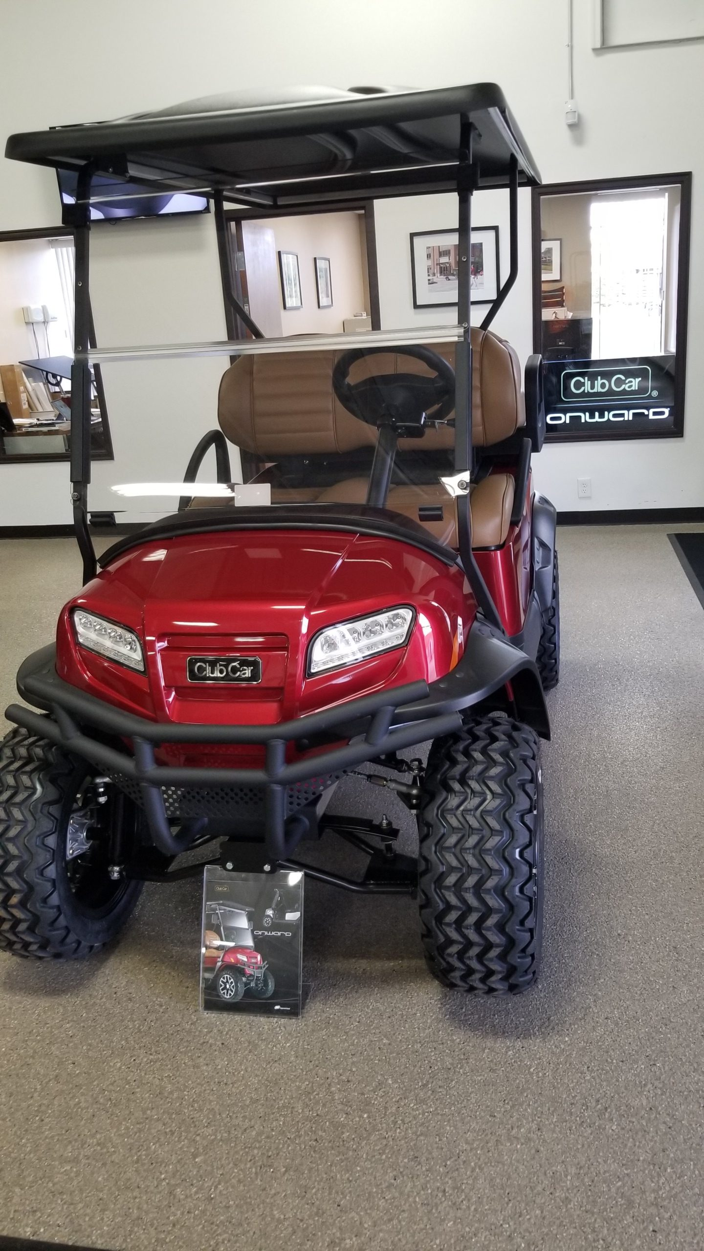 Featured Image for 2021 Club Car Onward Lifted 4 Passenger Gas