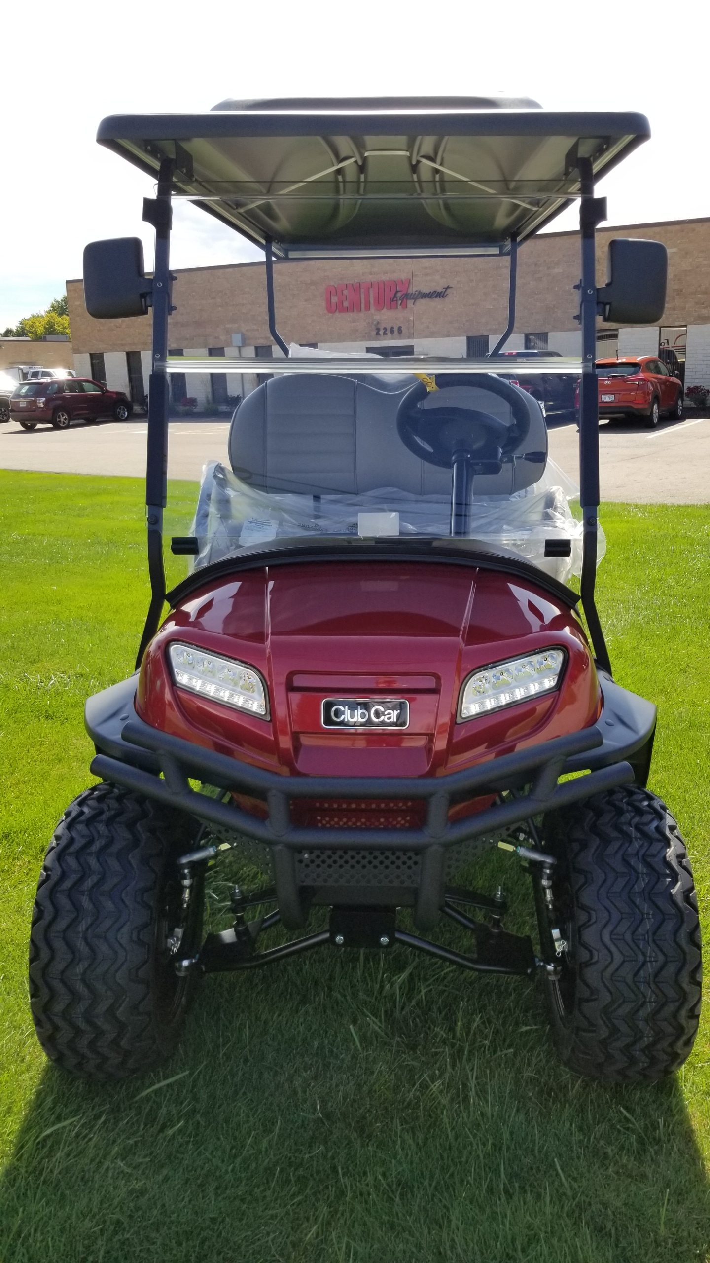 Featured Image for 2020 Club Car Onward Lifted 6 Passenger Gas