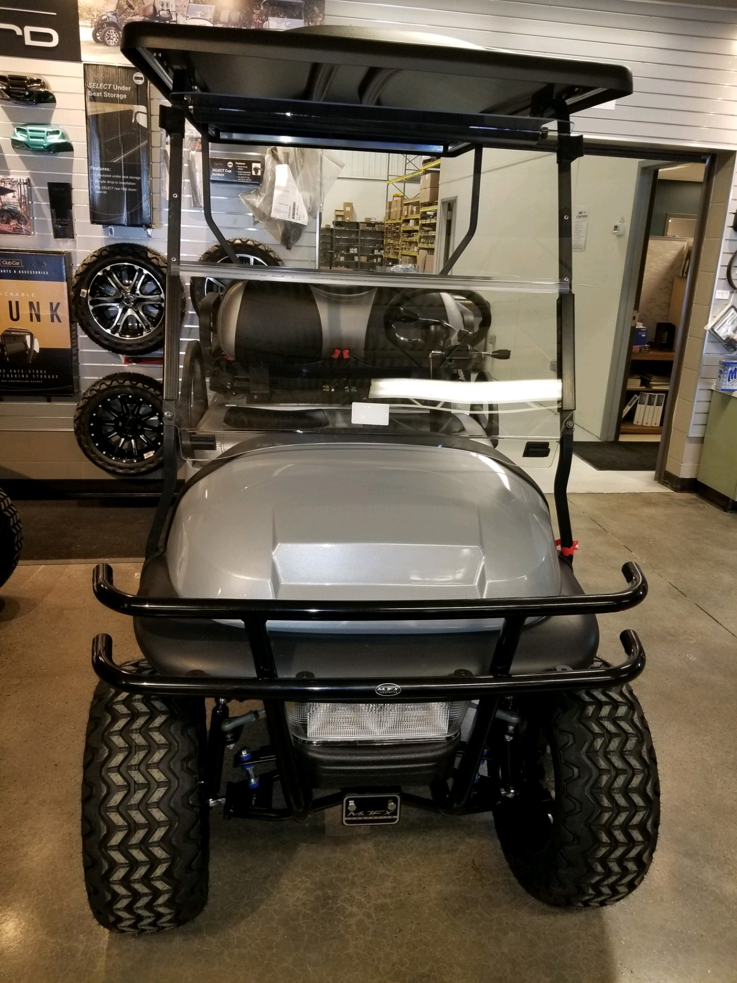 Featured Image for 2014 Club Car Precedent Lifted 4 Passenger Gas